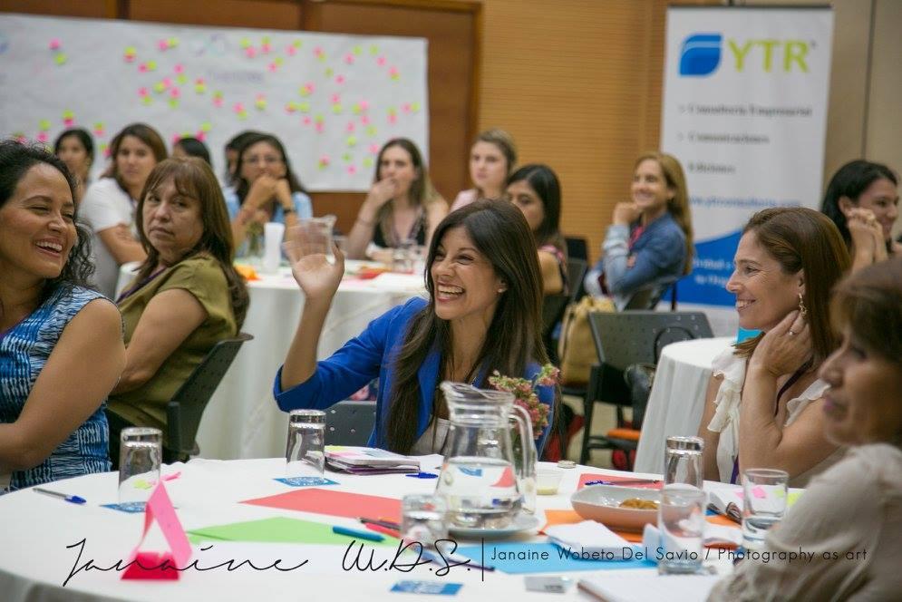 pasarela-de-negocios-mujer-peruana-3